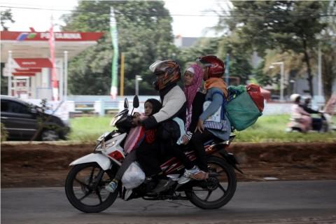 18.812 Kendaraan Melintasi Jalur Arus Balik di Bekasi