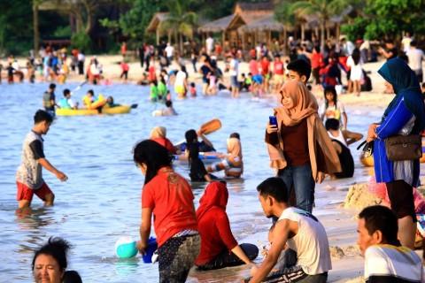 Pantai di Jepara Dikunjungi 100 Ribu Wisatawan
