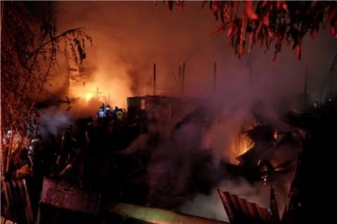 Penampungan Pengungsi Suriah di Lebanon Terbakar