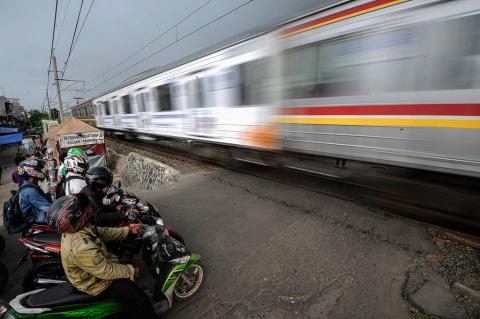Perlintasan Kereta tanpa Palang Pintu kembali Merenggut Nyawa