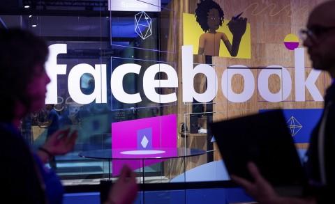 Facebook Ingin Buat Headset VR Nirkabel Tahun Depan