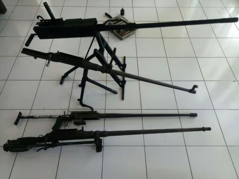 Masyarakat Halmahera Utara Serahkan Senjata Peninggalan PD II ke Kodim Tobelo