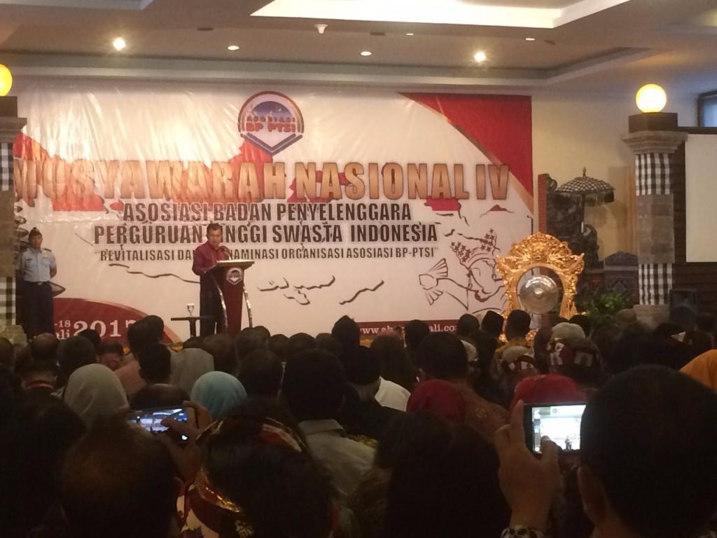 Wapres Jusuf Kalla menghadiri pembukaan Munas IV ABPPTSI di Bali, Senin 17 Juli 2017/Raiza Andini