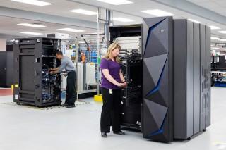 Mainframe Baru IBM Mampu Enkripsi Semua Data