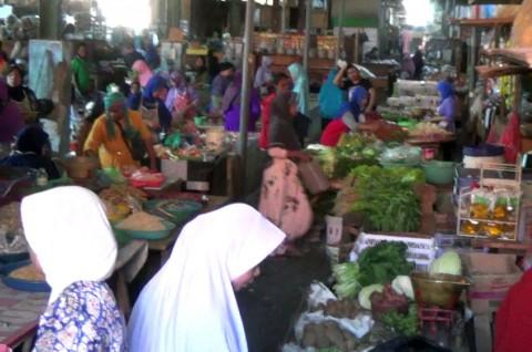 Garam Mulai Menghilang di Pasar Kendal