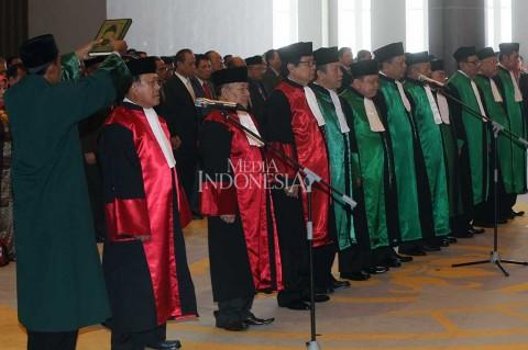 Hatta Ali Lantik 10 Ketua Pengadilan Tinggi
