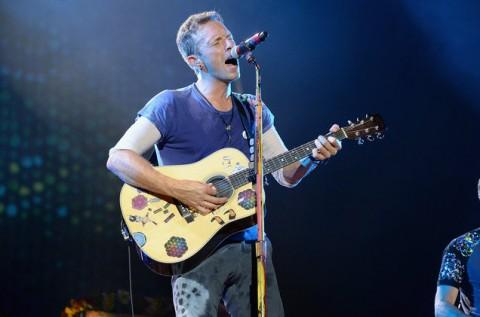 Coldplay Membawakan Lagu Linkin Park