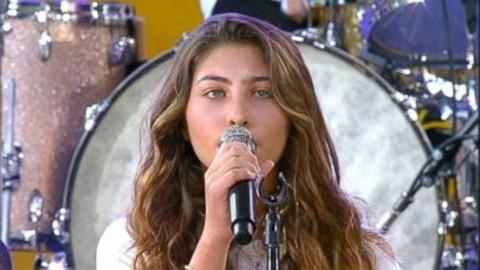 Putri Chris Cornell Bernyanyi untuk Almarhum Ayahnya dan Chester Bennington