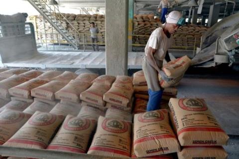 Produksi Semen Padang Capai 10,4 Juta Ton