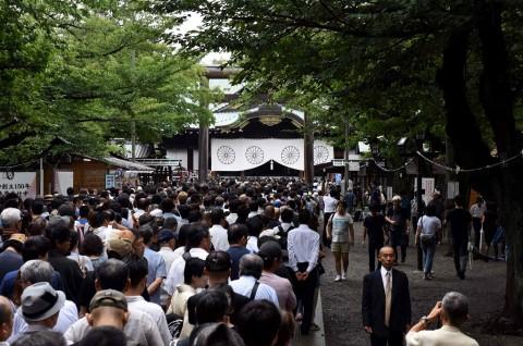 PM Jepang Donasikan Uang ke Kuil Kontroversial Yasukuni