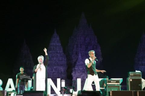 The Groove Buat Penonton Prambanan Jazz Bergoyang