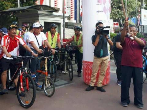 Menteri Darmin Kampanyekan Gerakan Sepeda ke Kantor