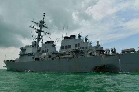 Kapal Perang Tabrakan, Angkatan Laut AS Hentikan Operasi