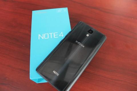 Melihat Isi Kotak Infinix Note 4