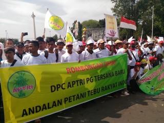 4.000 Petani Tebu Unjuk Rasa di Depan Istana Negara