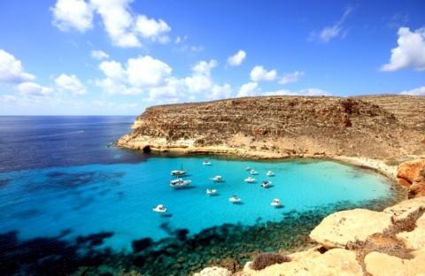 Kecantikan Pantai-pantai Terjernih di Dunia