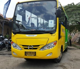 Hino Serah Terima 15 Unit Bus Trans Jogja