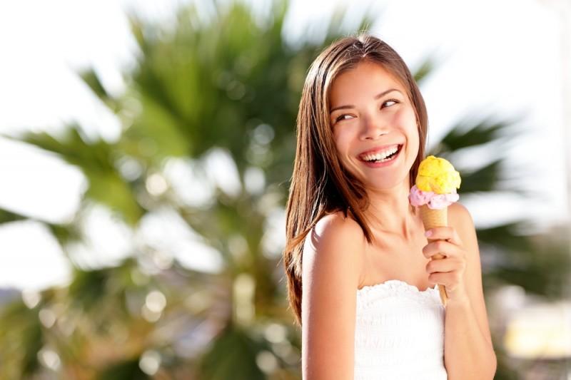 Satu atau dua porsi harian susu utuh atau produk susu utuh seperti es krim, dapat melindungi tubuh dari ketidaksuburan ovulasi (Foto:Shutterstock)