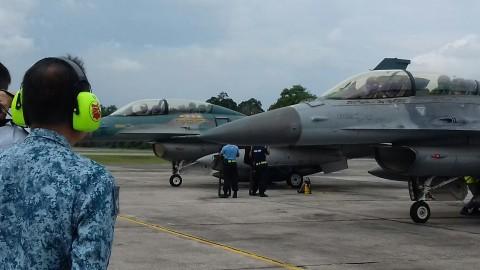 TNI AU-RSAF Ukir Sejarah Terbang Bersama 50 tahun RI-Singapura
