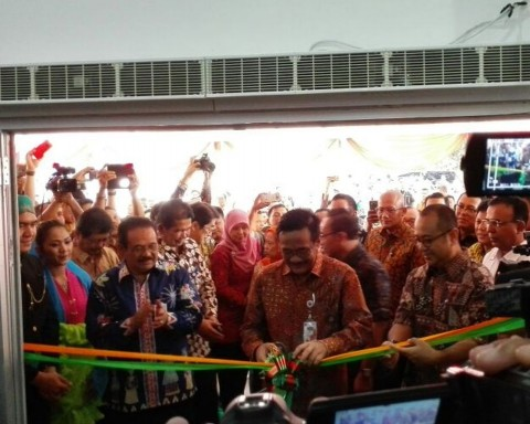 Gubernur DKI Jakarta Djarot Saiful Hidayat di Pasar Induk Kramat