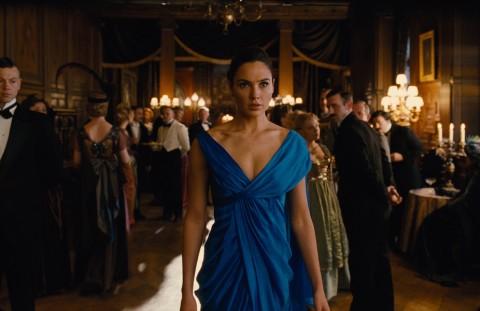 Gal Gadot Memamerkan Adegan di Balik Layar Film Wonder Woman