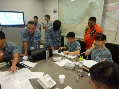 Kapal JBB DE Rong 19 Dievakuasi ke Singapura
