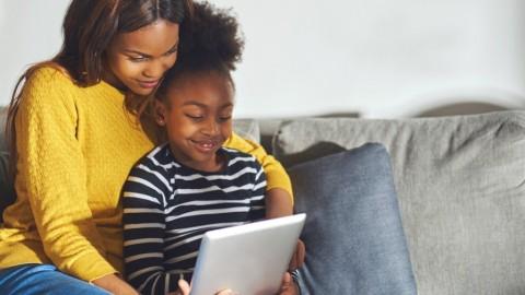 Peran Orang Tua Bantu Anak Atasi Cyber Bullying