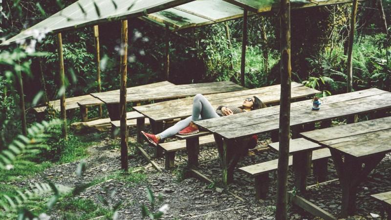 Sebuah penelitian menemukan bahwa mereka yang begadang dengan keadaan otak yang lebih selaras dengan kesenangan dapat terlindungi dari efek negatif dari kurang tidur. (Foto: Dan Gold/Unsplash.com)