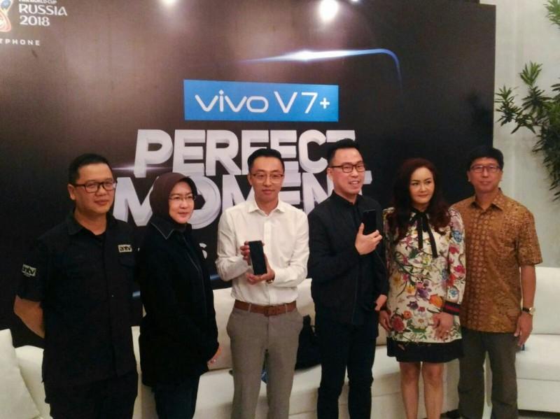 Vivo V7+ adalah smartphone terbaru Vivo yang dirilis di Indonesia