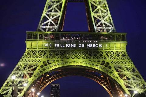 Menara Eiffel Rayakan 300 Juta Pengunjung