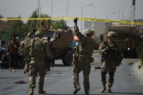 Ada yang Coba Retas Ponsel Tentara NATO