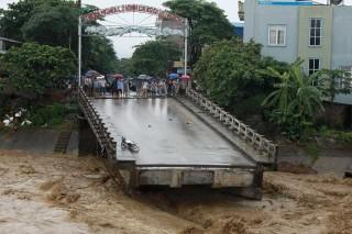 Banjir dan Tanah Longsor Landa Vietnam, 37 Tewas