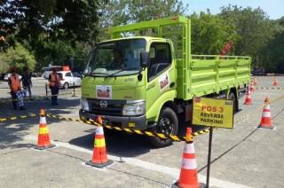 Sopir Truk Surabaya Ditantang Berkendara Aman
