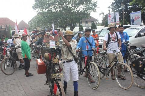 Republik Onthel Berkeliling di Yogyakarta
