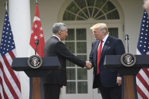 Terima Undangan PM Lee, Trump ke Singapura Tahun Depan