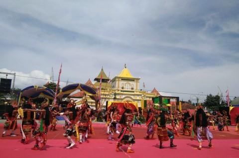 Teatrikal Prosesi Arya Wiraraja Meriahkan HUT ke-748 Sumenep