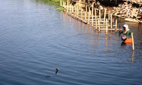 Sungai Gede Karangrandu Kembali Menghitam