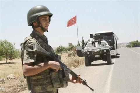 Delapan Prajurit Turki Tewas dalam Bentrok dengan Militan Kurdi