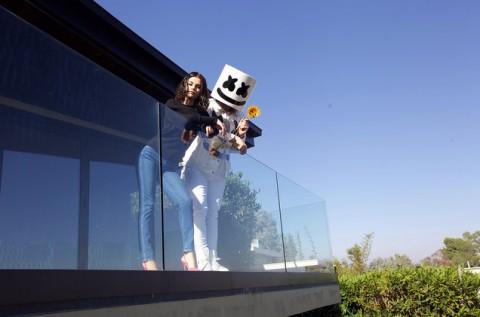Lagu Kolaborasi Selena Gomez & Marshmello Sukses di Chart Billboard