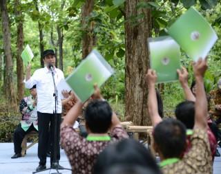 Presiden Minta Masyarakat Manfaatkan Hutan Sosial