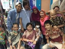 Sean Gelael Berbagi Inspirasi dengan Anak-anak Penderita Kanker