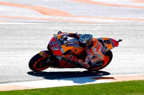 Marquez Terjatuh, Lorenzo Tercepat di Latihan Bebas Kedua GP Valencia