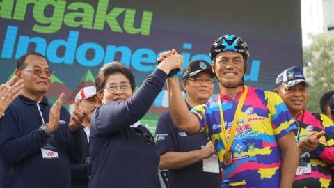 Menkes Nila Menyambut Peserta Sepeda Tour De Sabang-Jakarta