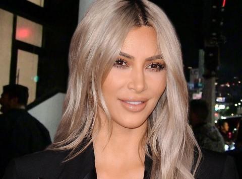 Kim Kardashian Raup Rp133 M dalam Sehari dari Parfum Terbaru