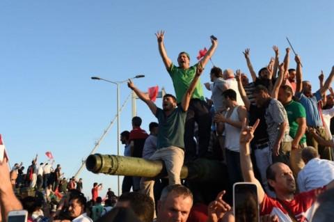 Kecil Kemungkinan Terjadi Kudeta di Indonesia seperti di Turki