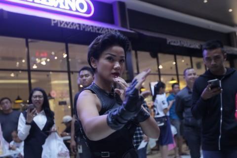Nirina Dilarang Tertawa Selama Syuting 5 Cowok Jagoan