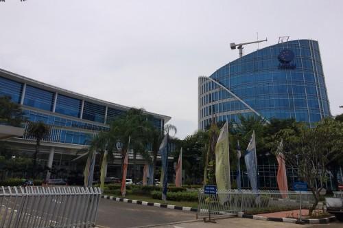 Suasana di depan Kampus Universitas Multimedia Nusantara di