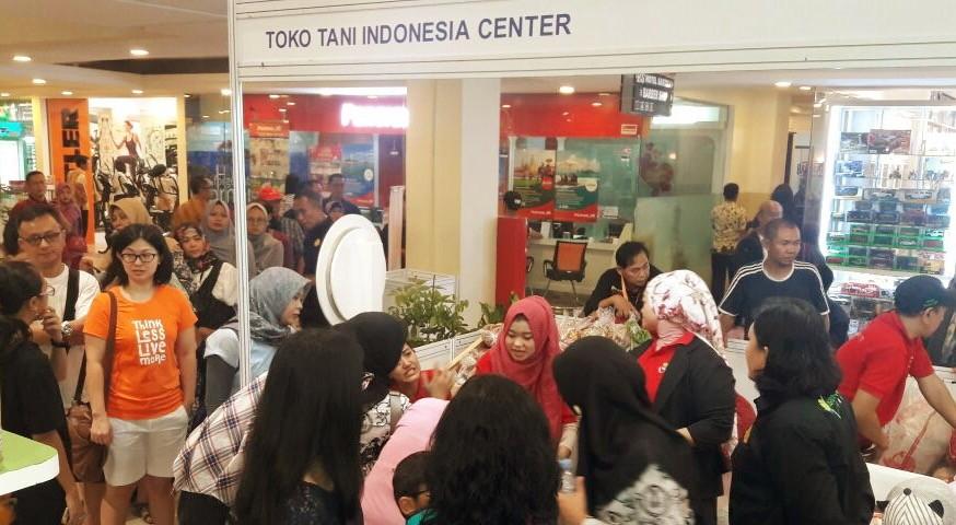 Toko Tani Indonesia di Botani Square. Foto: Humas BKP