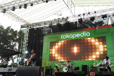 Wayang Ajak Pengunjung The 90's Festival Bernostalgia lewat Lagu Dongeng