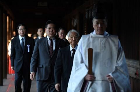 Puluhan Pejabat Jepang Kunjungi Kuil Kontroversial Yasukuni